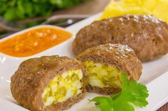 Обалденные зразы мясные с яйцом и луком