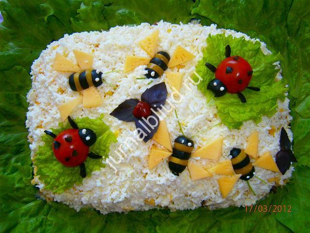 Салат с крабовыми палочками — ПЧЕЛКИ