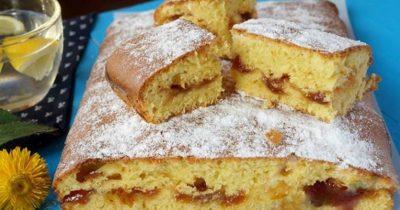 Пирог с вареньем на скорую руку