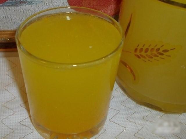 Освежающий и полезный домашний лимонад.
