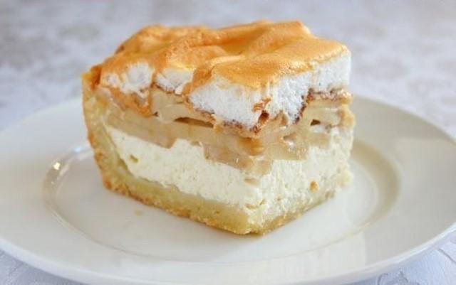 Творожно-яблочный пирог: два самых полезных продукта в одном десерте!