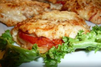 Для тех, кто не знает, что приготовить на ужин: КУРИНЫЕ КОНВЕРТИКИ станут отличным решением