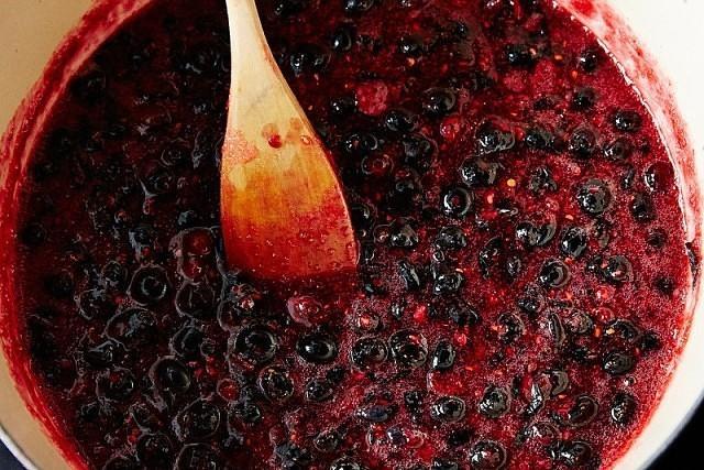 Вкусное и полезное варенье из черной смородины стаканами. Рецепт — проще простого.