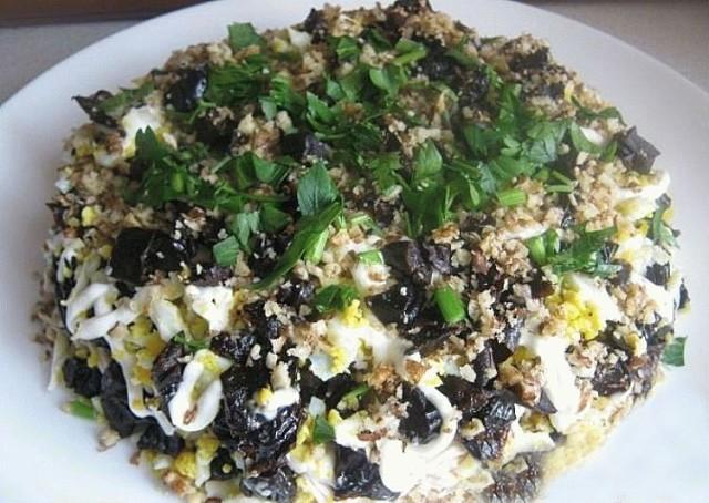 Очень вкусный салат «Дамский каприз»