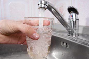 Как сделать воду из-под крана целебной 1